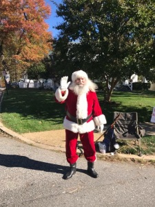 Hi Santa! Thanks for cheering on the runners!